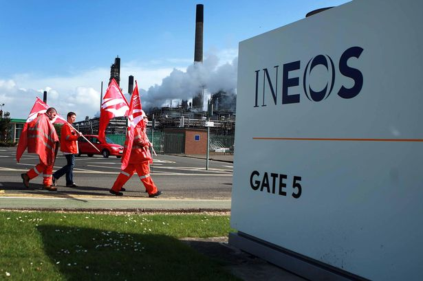 Workers-outside-the-INEOS-Grangemouth-oil-refinery