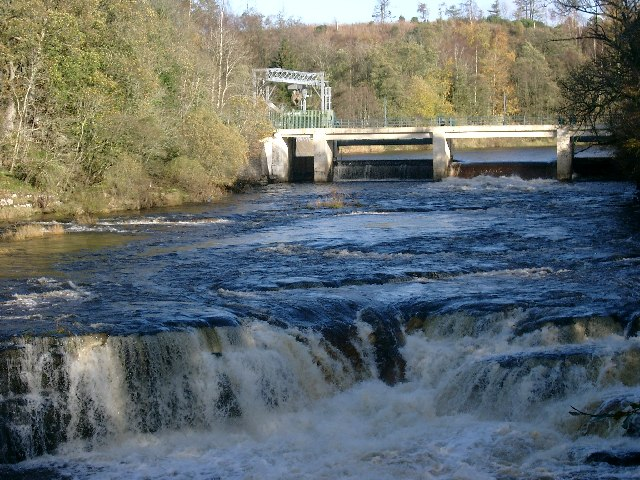 Weir at Bonnington Linn